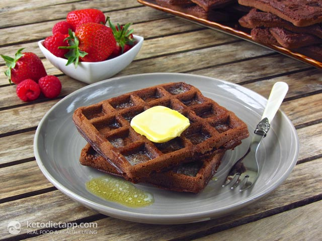 double-chocolate-keto-waffles