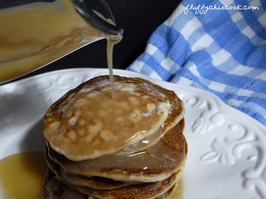 psylli-pumpkin-spice-egg-fast-pancakes-syrup