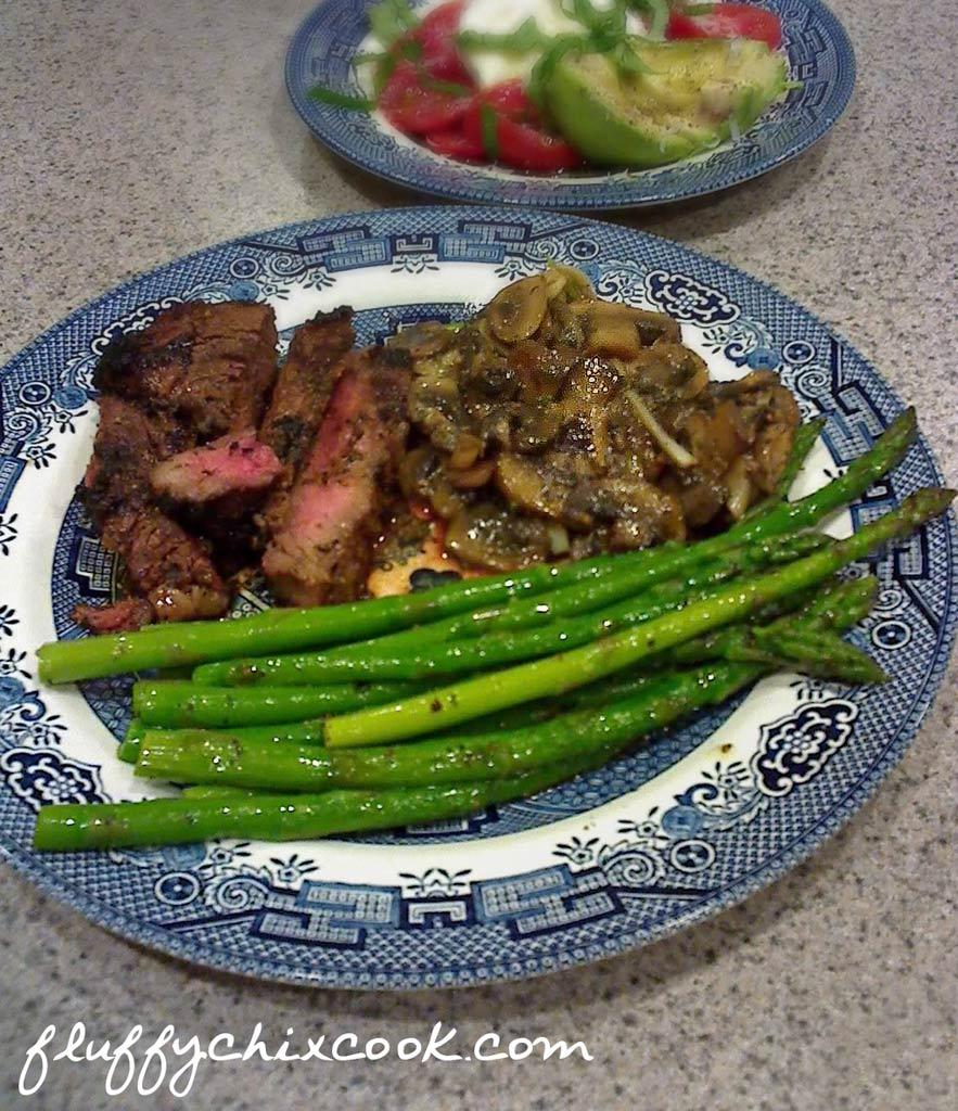 steak-mushrooms-asparagus
